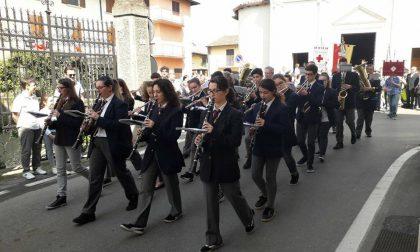 Corteo per le vie di Barbata: il 25 aprile si festeggia in anticipo