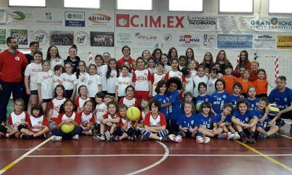Reti e palloni in dono alle scuole grazie al Mini volley Dovera