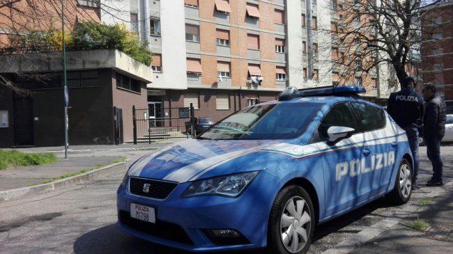 Milano: la trovano a letto morta, con un coltello nel petto