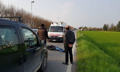 Incidente Martinengo, disarcionato dalla moto arriva l'elisoccorso FOTO