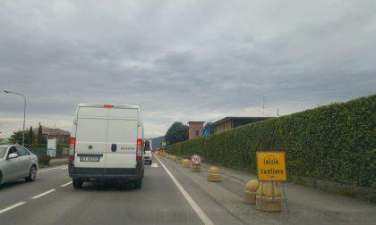 Traffico bloccato sulla Rivierasca a causa di un cantiere