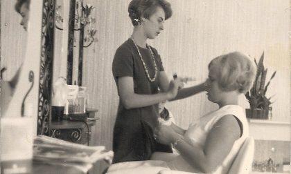 Premiata Maria Tibaldi, da cinquant'anni parrucchiera per tutti . Guarda la splendida FOTO del 1970