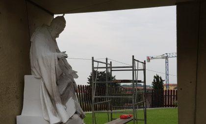 Danneggiata statua di papa Giovanni XXIII nel Giardino della Pace FOTO