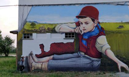 """Street art e sport: coloriamo i campetti da basket con """"Nuvole in viaggio"""""""