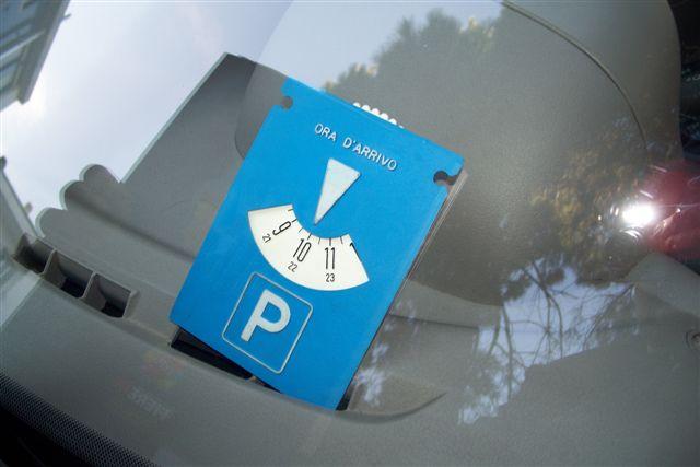 Fara parcheggio a pagamento lungo l'Adda