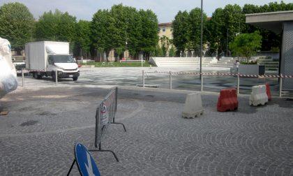 Piazza Setti ultimi ritocchi prima dell'apertura