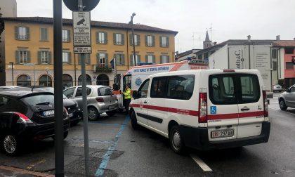 Volontarie derubate davanti alla Polizia locale