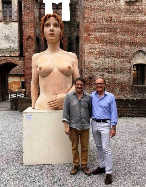 Statue nude Soncino