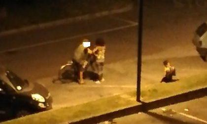 Allarme degrado, una prostituta nel piazzale della stazione