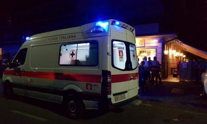 Rissa in famiglia al ristorante, tre feriti