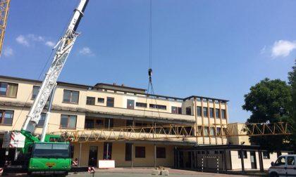 """Via l'eternit dal tetto: """"Ora la scuola è più sicura"""""""