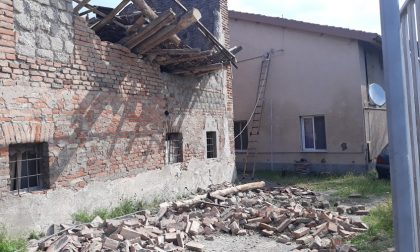 Il temporale fa crollare il tetto di una vecchia abitazione