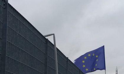 Rubate bandiere dell'Italia e del Pd alla Festa de l'Unità