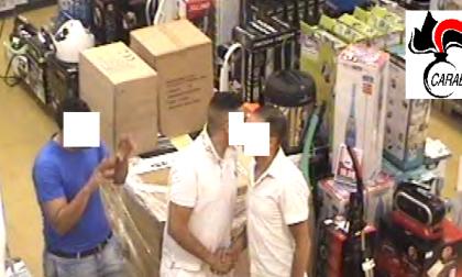 Sequestrati cocaina e contanti i carabinieri sgominano giro di narcotraffico