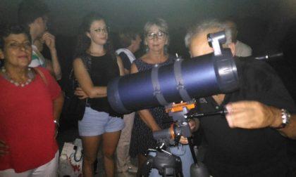Eclissi lunare incanta Pieranica riunita a Madonna dei campi FOTO