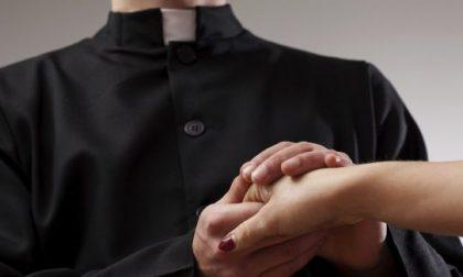 Uccelli di rovo in salsa lombarda: prete picchia ex  marito della sua amante