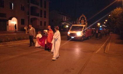 I fuochi illuminano la notte di Groppello per San Bartolomeo FOTO