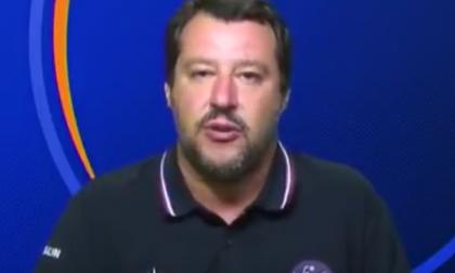 Salvini in tv con la maglietta degli Alpini, Ana insorge