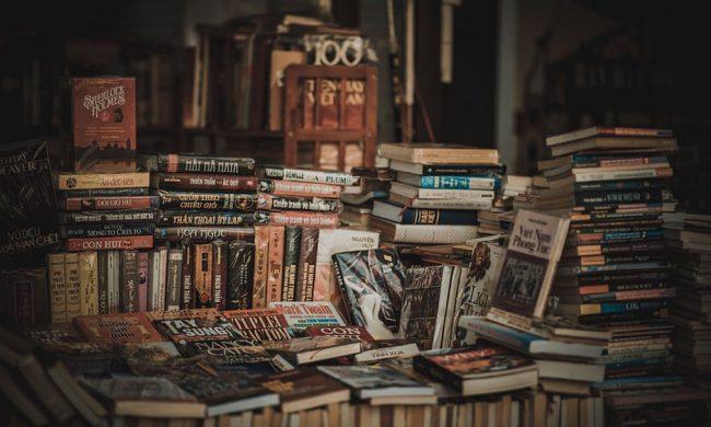 """Scarti librari: il Comune """"inscatola"""" 1282 libri dalla biblioteca"""