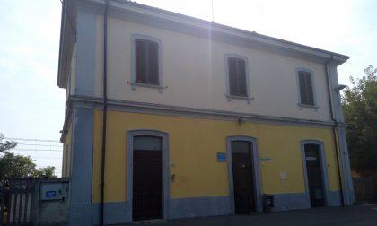 Stazione di Casaletto: degrado, vandalismo e scritte volgari FOTO