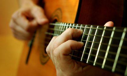 """La """"Notte della chitarra"""", dalla classica a Santana"""