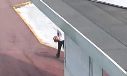 Ladro deruba un cantoniere ma le telecamere lo inchiodano