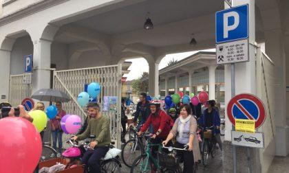 Tutti in bici con l'Avis nonostante la pioggia FOTO