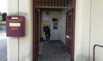 Bimbi chiudono la mamma nel Bancomat