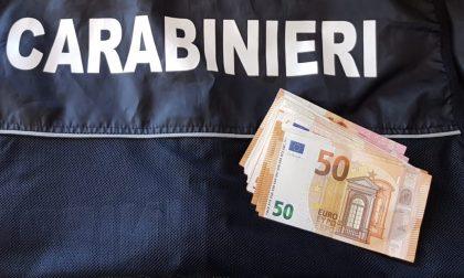 Ritrova denaro e lo consegna ai carabinieri