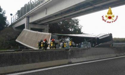 Camionista morto sulla A13, domani l'ultimo saluto a Moleri