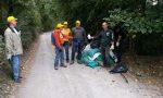 Puliamo il mondo a Fara d'Adda: un cassone da camion colmo di rifiuti