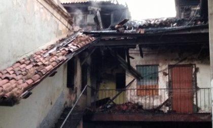 Incendio a Treviglio, a fuoco un appartamento FOTO