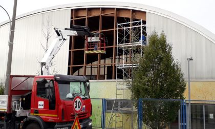 Maltempo Bassa | Palestra danneggiata e palazzo scoperchiato a Cividate FOTO