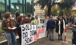 """Convegno anti abortista a Treviglio, scatta la protesta: """"Giù le mani dalla 194"""""""