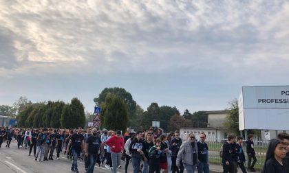 """Settecento studenti del Polo Archimede in marcia """"invadono"""" le strade FOTO"""