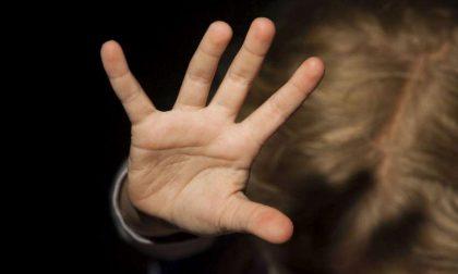 Derubava disabili psichici: denunciato un avvocato