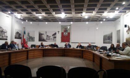 Assessore si astiene al bilancio, colpo di scena in Consiglio