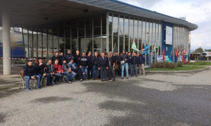 Eurogravure, lavoratori in sciopero davanti all'azienda