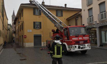 Maltempo Bassa,  in piazza Setti arrivano i pompieri