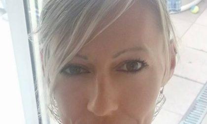 Bimbo ucciso dall'incendio appiccato dal padre, la madre si sfoga su Facebook