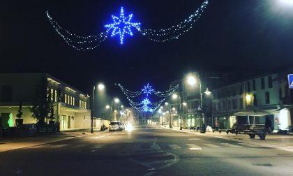 """Raddoppiata la spesa per le luci, Natale più """"luminoso"""" a Cologno"""