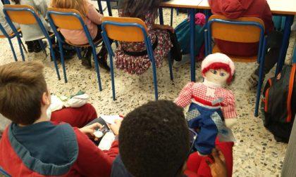 Progetto Pigotta, gli studenti delle elementari di Verdellino donano bambole all'Unicef