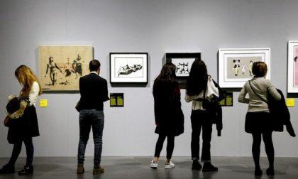 Tenta di rubare un Banksy sostituendolo con un falso
