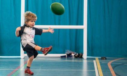 Il piccolo Simone torna a giocare a rugby dopo 300 giorni in ospedale