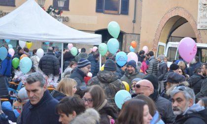 Animali, dolci e palloncini... folla in piazza a Caravaggio per Santa Lucia FOTO