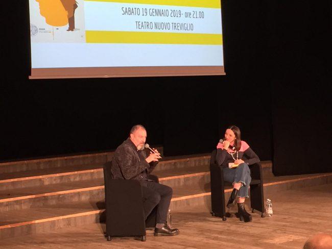 Carlo Lucarelli a Treviglio: la letteratura può cambiare la realtà? VIDEO
