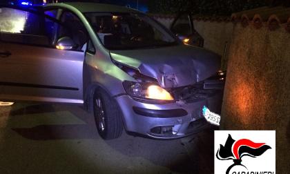 Inseguito dai carabinieri e arrestato, in auto aveva hashish e cocaina