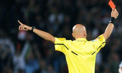 Bestemmie e insulti razzisti all'arbitro: due calciatori squalificati