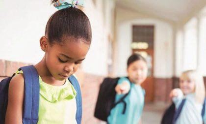 """Razzismo tra bambini: """"Con te non gioco, sei nera e sporca"""""""