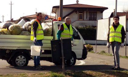 Rivolta pulita, volontari e cittadini in campo contro l'inciviltà